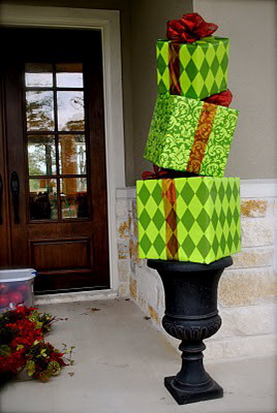 Christmas-Porch-Decorating-Ideas_26.jpg
